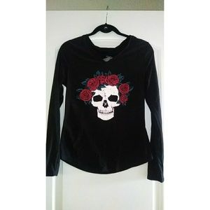 Skull and rose long sleeve